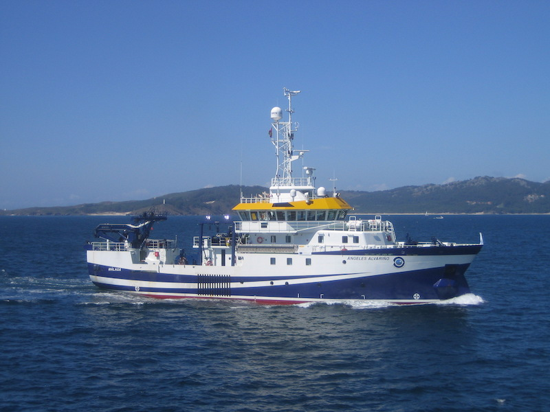 RV Angeles Alvarino